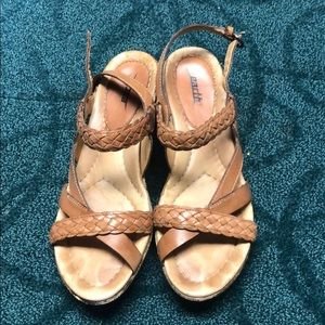 Earth leather sandals size 9